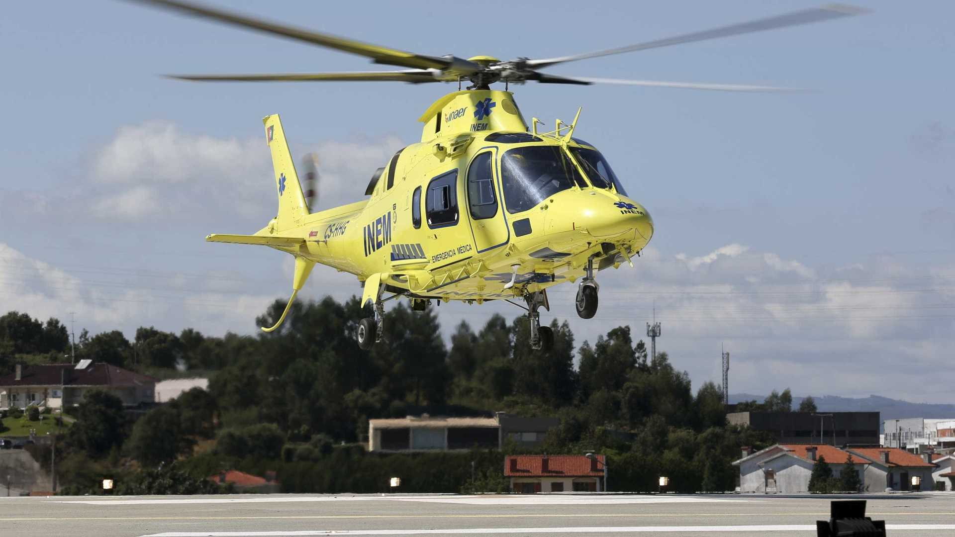 Helicóptero do INEM desaparece com quatro pessoas a bordo