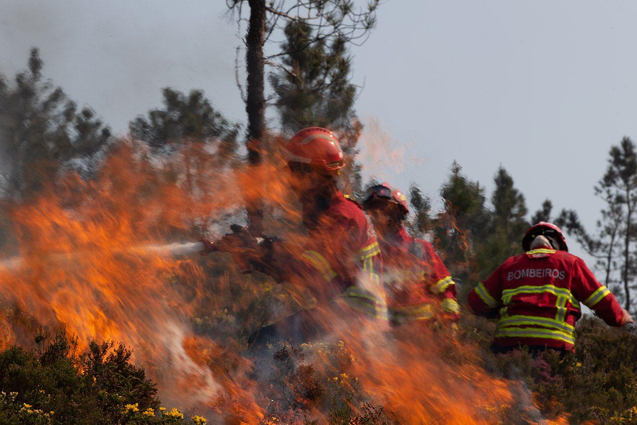 Governo alerta para fogos potencialmente catastróficos