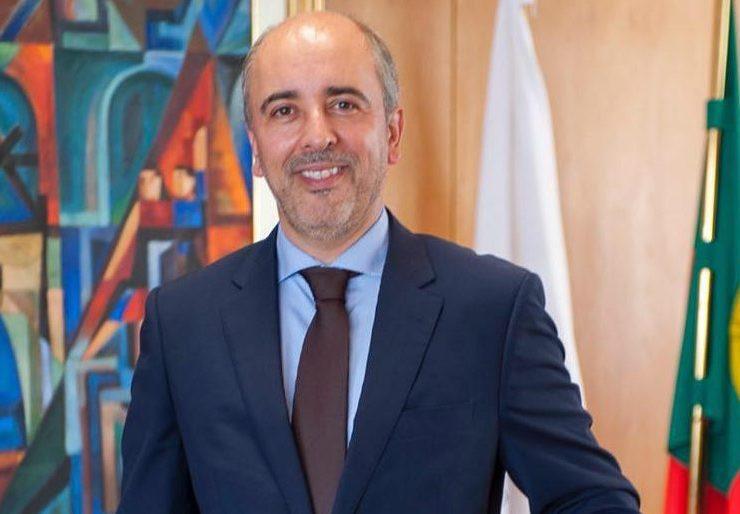 Luís Miguel Ribeiro reeleito presidente AEP