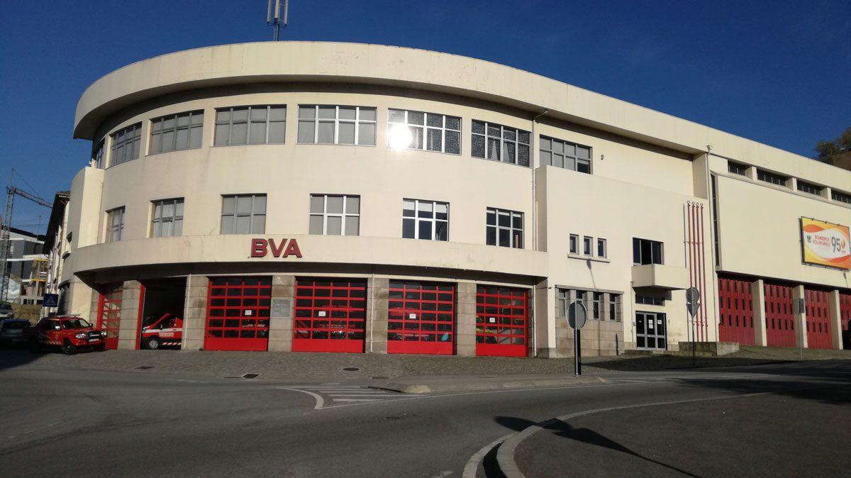Bombeiros de Amarante prestam homenagem a bombeiro morto em incêndio