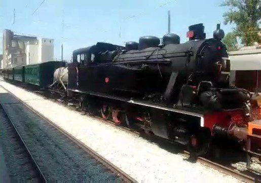 Comboio histórico subiu a linha do Douro