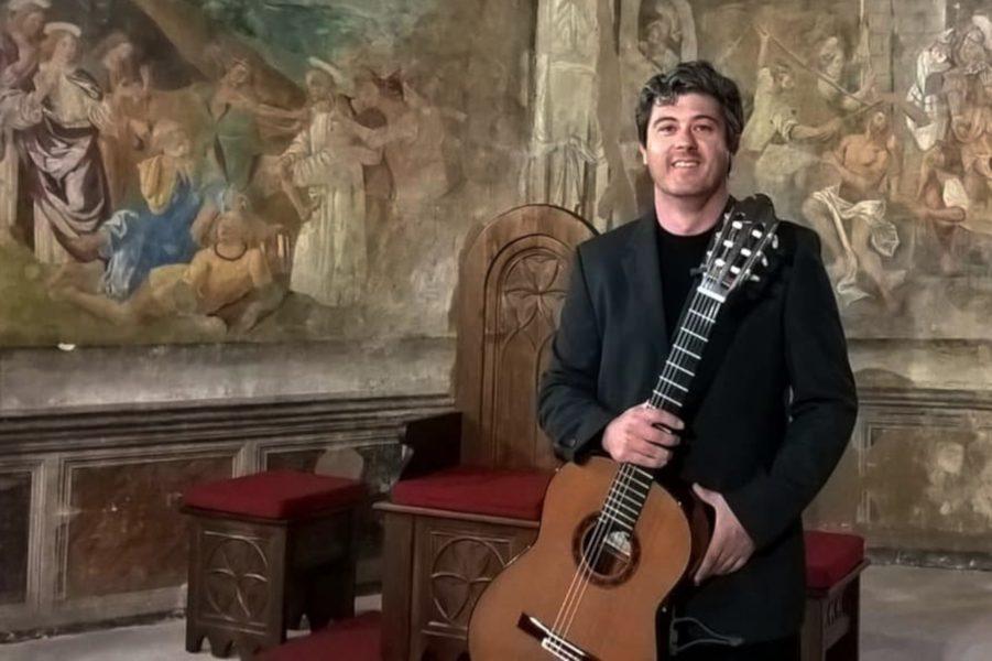 Fundação Eça de Queiroz acolhe concerto do guitarrista Francesco Luciani