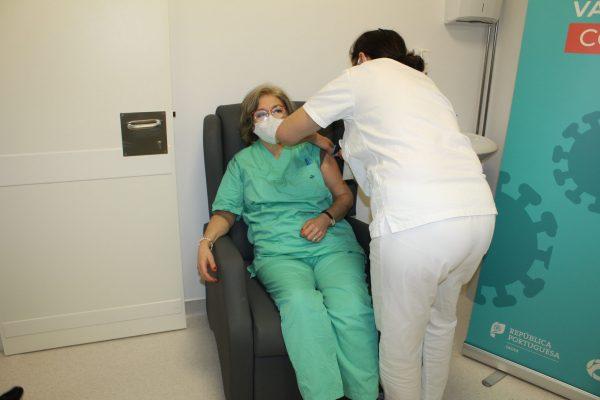 CHTS iniciou vacinação a profissionais