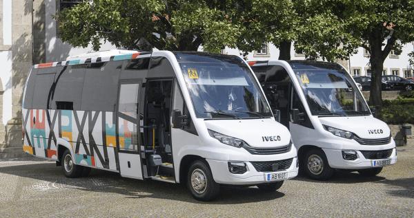 Transporte escolar reforçado com dois novos miniautocarros