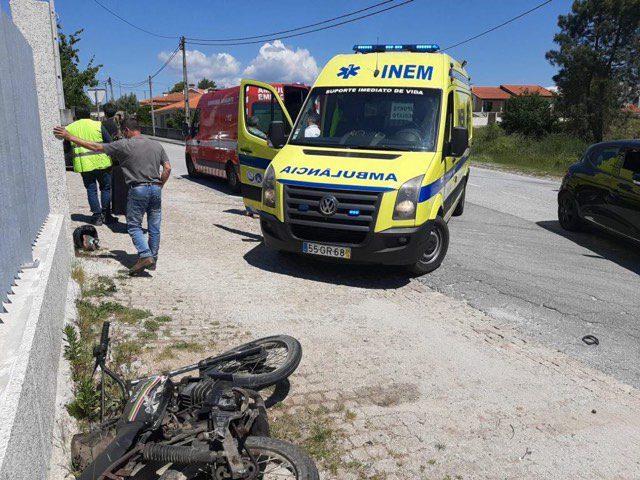 Colisão fere motociclista em Vila Garcia