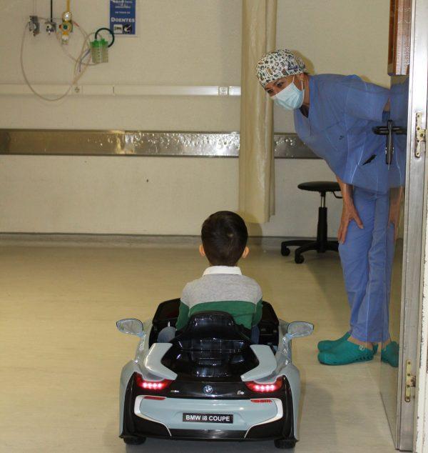 """""""Uma aventura sobre rodas"""" leva crianças até ao Bloco Operatório"""