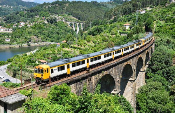 Eletrificação da Linha do Douro entre Marco de Canaveses e Régua vai avançar